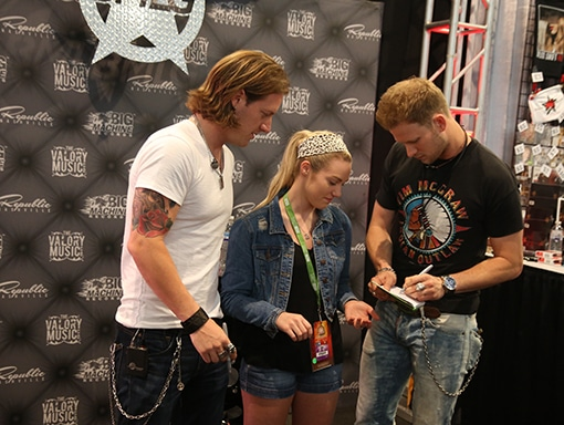 Read more about the article Would you wait in line hours to only have something signed?