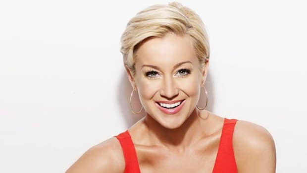 "Kellie Pickler Releases New Single ""Feeling Tonight"""