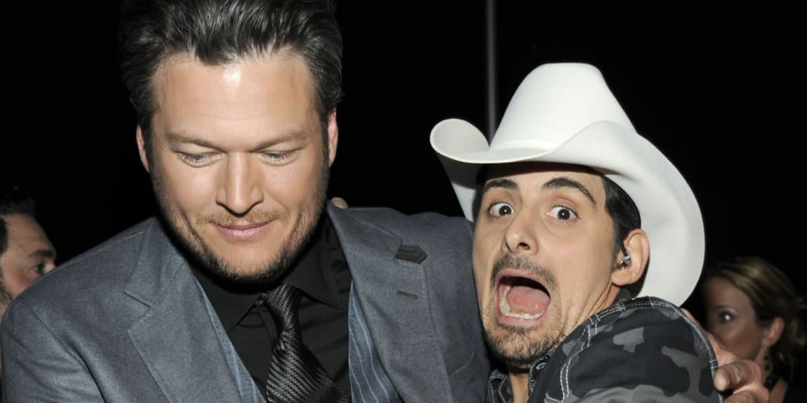 "Brad Paisley Thinks You Should Be ""Ashamed of Your Selfie"" (Watch!)"
