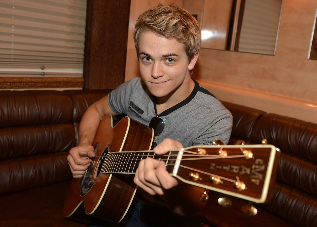 Read more about the article Yahoo! has killed off Hunter Hayes