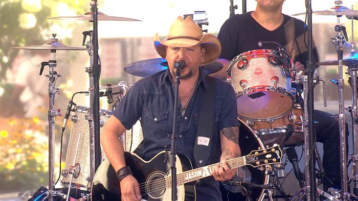 Jason Aldean takes on the Today Show Plaza