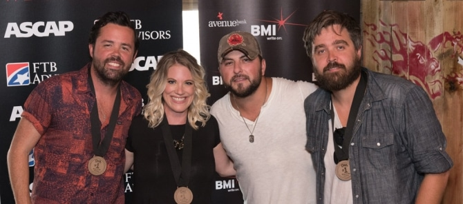 Read more about the article Tyler Farr Walks Into a Bar