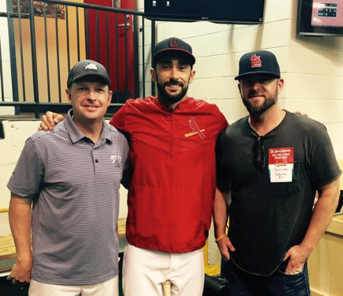 David Nail shows his Cardinals some love…