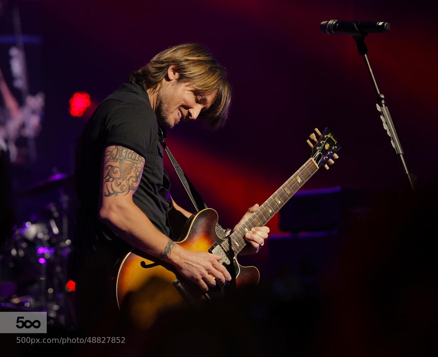 Keith Urban Fan Gets the Ultimate Souvenir…a Tattoo!