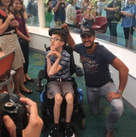 Read more about the article Luke Bryan gets props from Ryan Seacrest for a great reason…