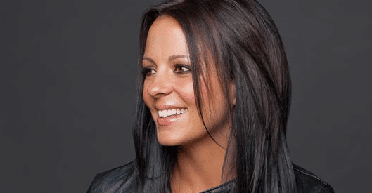 Sara Evans slays Sam Smith cover SO hard…