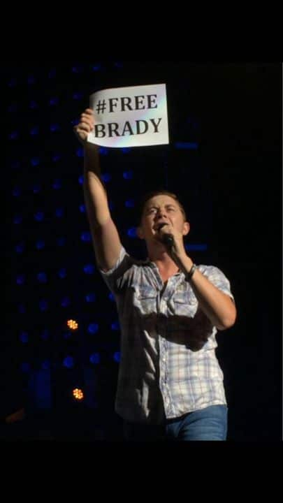 scotty-mccreery-tom-brady