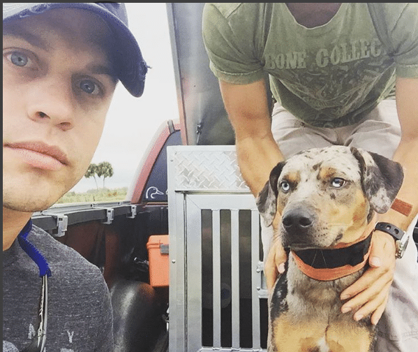 Read more about the article Serious Question: Who has better eyes Dustin Lynch or this puppy?