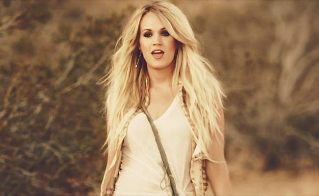 Carrie Underwood Throws the Ultimate House Party