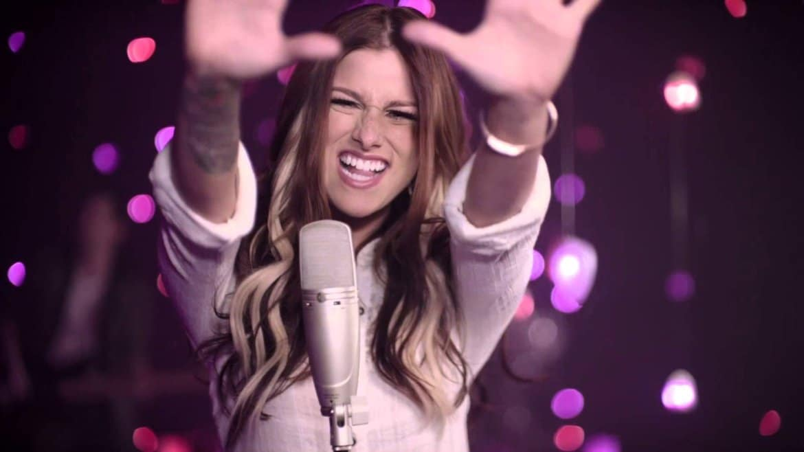 Cassadee Pope Gets Theatrical (Watch!)