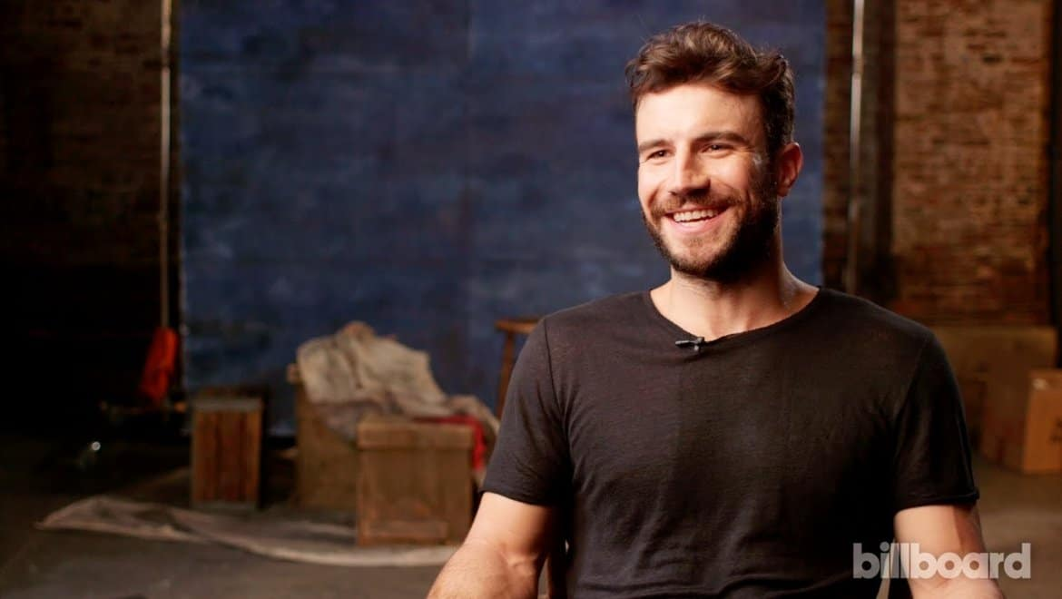 Read more about the article This is Officially the Cutest Pic of Sam Hunt…EVER!
