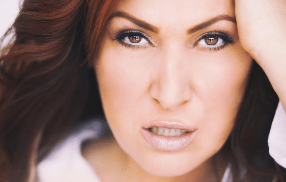 Announcement: Jo Dee Messina to Unveil New Music During StageIt Show