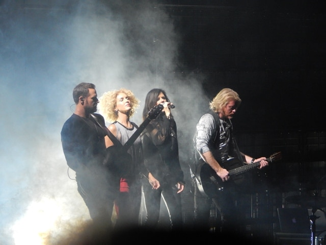 Little Big Town offers a moment of silence for Paris at Friday concert