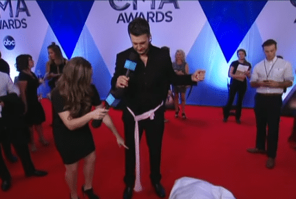Luke Bryan playing with some balls on the red carpet was the funniest CMA Awards moment you probably missed