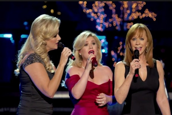 Gab's Countdown to Christmas: Kelly Clarkson, Trisha Yearwood and Reba McEntire