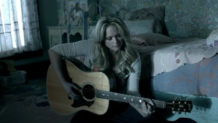 """Read more about the article Miranda Lambert helps tease """"Fuller House"""""""