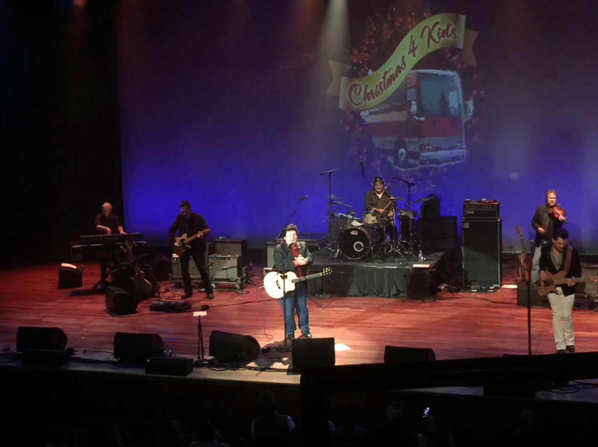 SHENANDOAH PLAYS THE SOLD-OUT RYMAN AUDITORIUM FOR 'CHRISTMAS 4 KIDS'