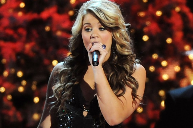 Read more about the article Gab's Countdown to Christmas: Lauren Alaina
