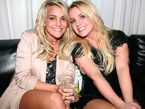 Read more about the article Britney Spears Tweets Love For Her Sis Jamie Lynn