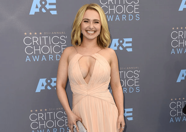 Hayden Panettiere Steps Out for the First Time Since Treatment
