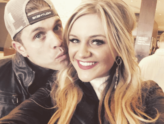 Read more about the article Dustin Lynch Calling Dibs on Kelsea Ballerini?