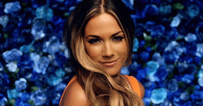 Read more about the article Jana Kramer's Daughter Makes Opry Debut