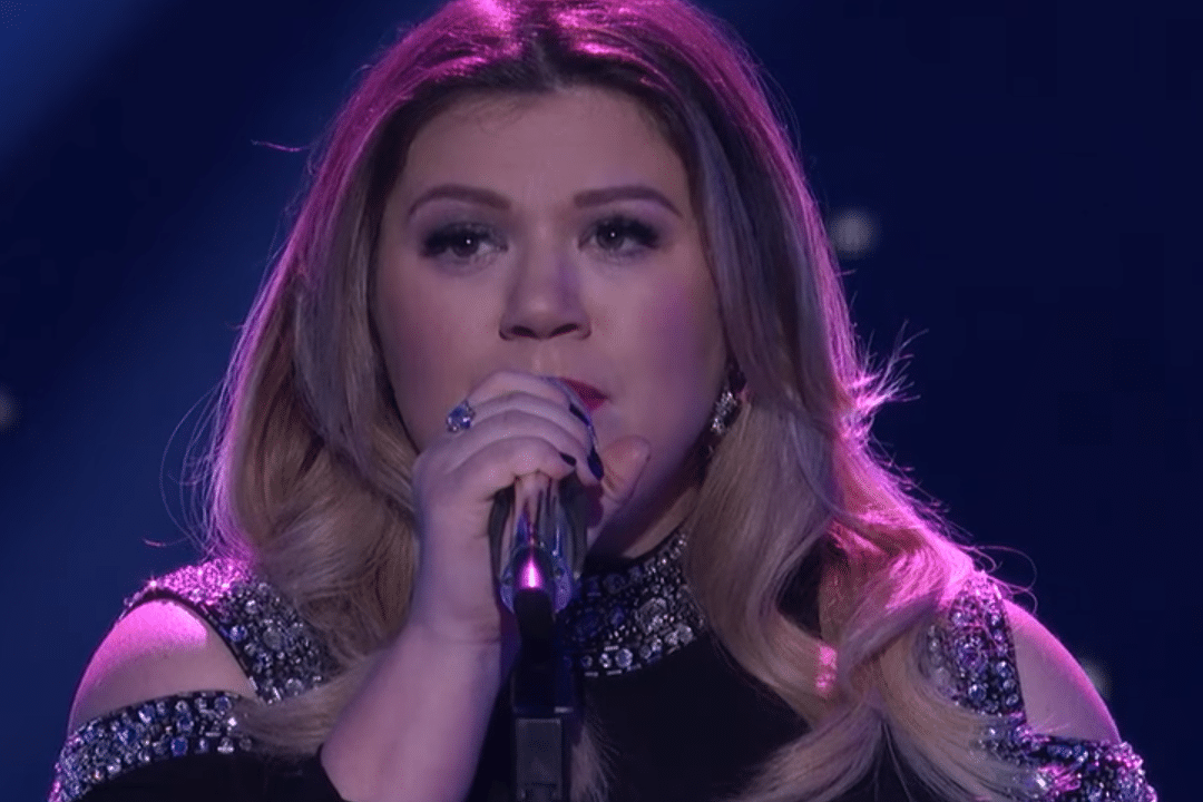 Kelly Clarkson Spills the Dirt on Her Baby Boy's Name