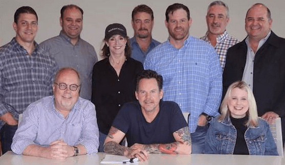 Gary Allan Re-Signs with UMG Nashville