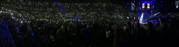 blake-shelton-lights-nashville