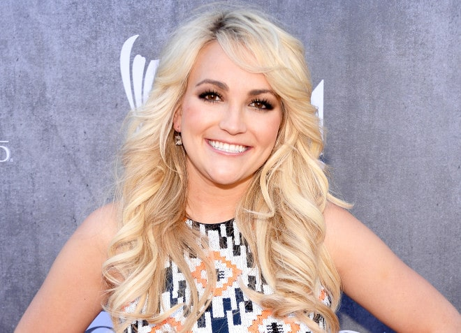 Sponsored: Jamie Lynn Spears gives Britney a country make over