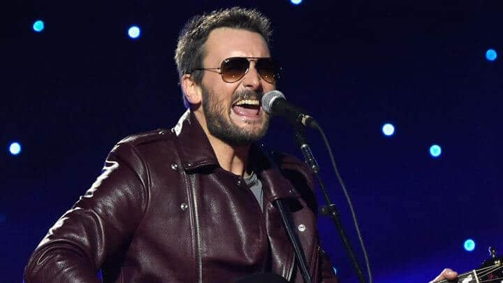 Twitter was not impressed with Eric Church's Thanksgiving Halftime show