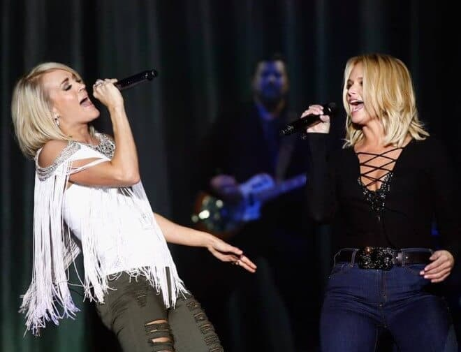 Read more about the article Miranda Lambert Joins Carrie Underwood For Surprise Vegas Performance