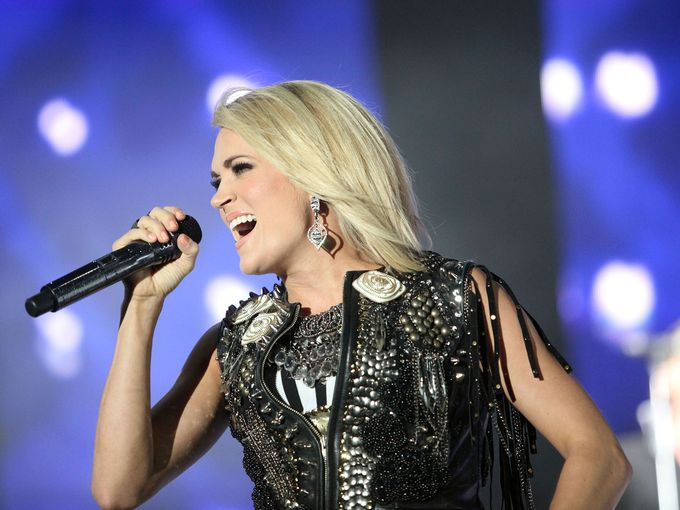 Carrie Underwood Dedicates ACC Award to Young Fan who was Tragically Killed