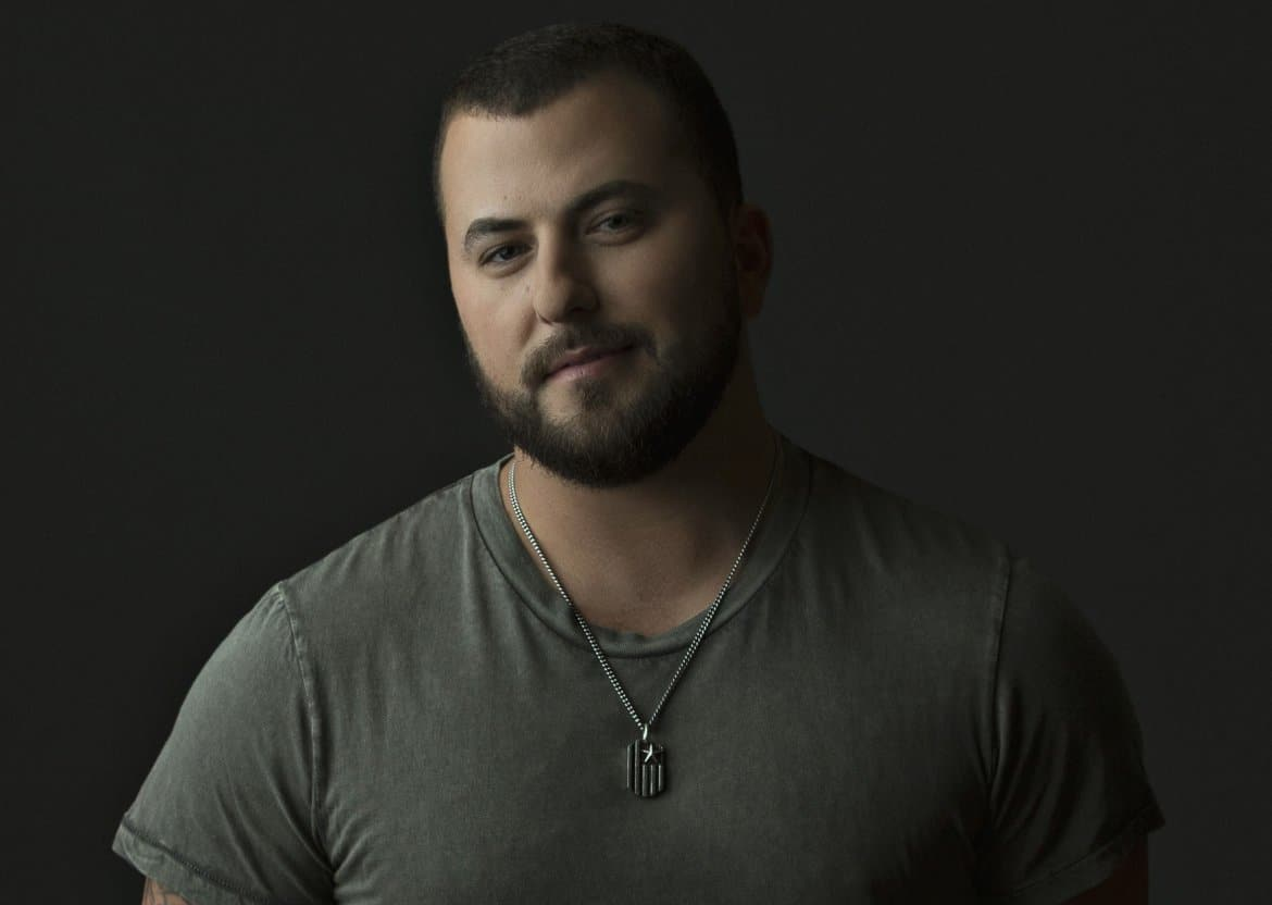 Read more about the article Tyler Farr wins #ThrowbackThursday with his epic #RamenHair pic