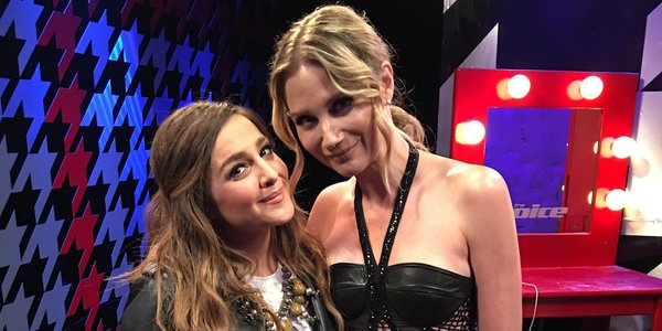 """Read more about the article Watch As Alisan Porter & Jennifer Nettles Stun With Duet of """"Unlove You"""""""