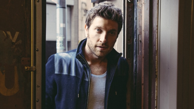 Brett Eldredge's wig game is spot on