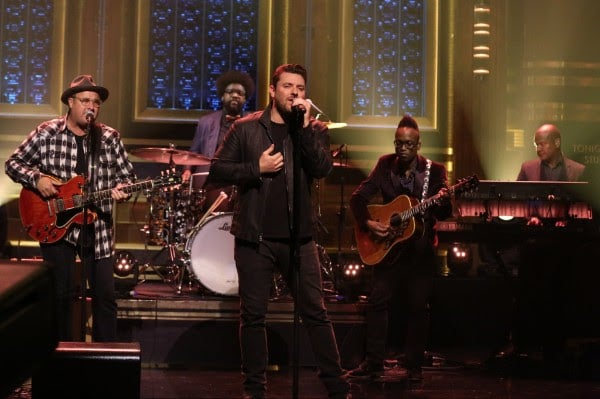 Chris Young and Vince Gill perform together on The Tonight Show (watch)