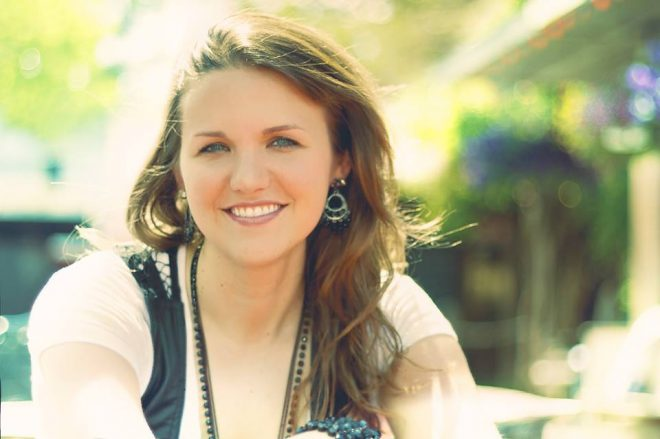 Read more about the article Exclusive Interview: Meet Singer-Songwriter Cassidy Lynn