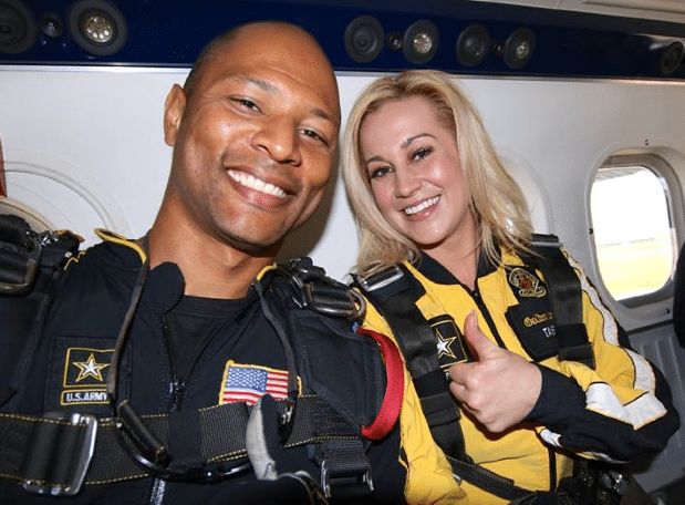 Kellie Pickler Skydives With The Army's Golden Knights