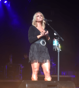 Miranda Lambert singing Vice for the first time in concert