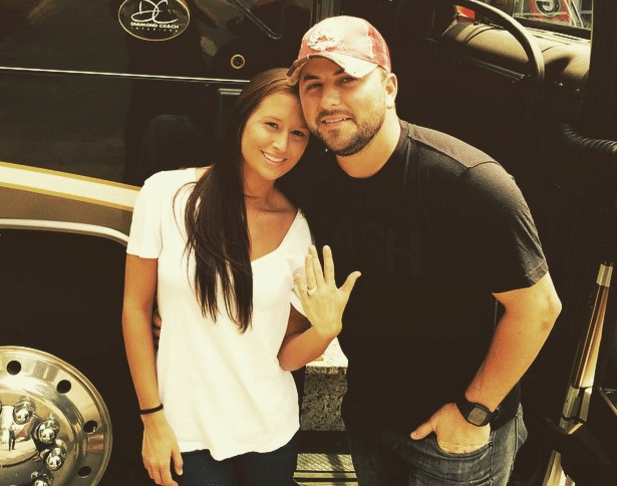Read more about the article Tyler Farr's wedding preparation includes hard work and vomiting