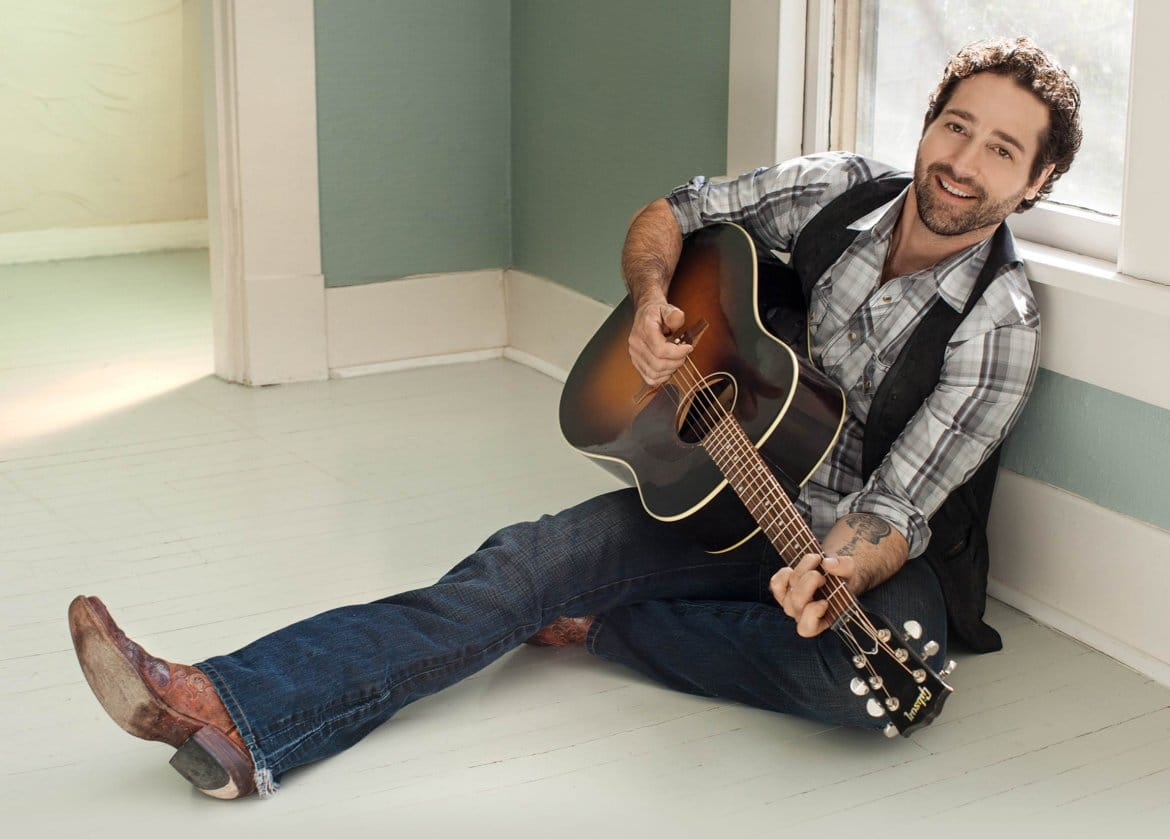 Who does Josh Thompson think country music's class clown is?