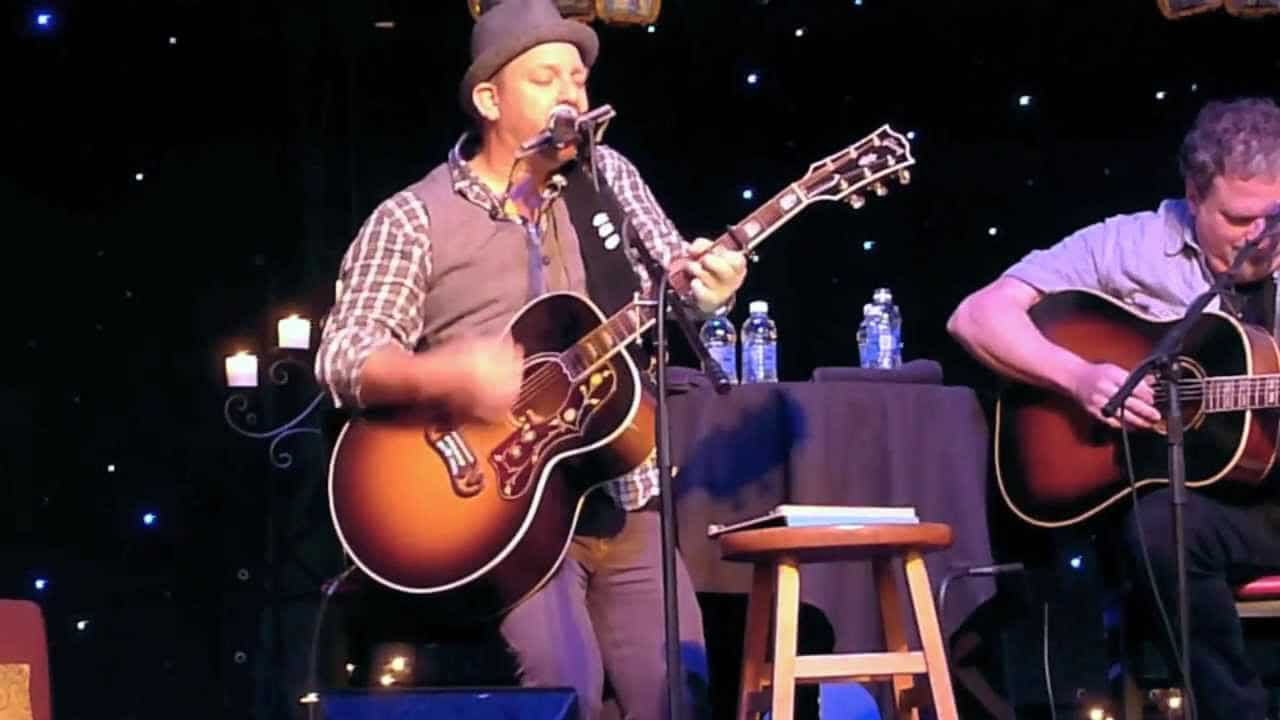 Read more about the article Is Kristian Bush a one man band?