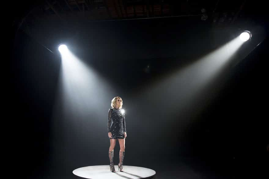 Read more about the article Listen to all of Carrie Underwood's new Sunday Night Football opener