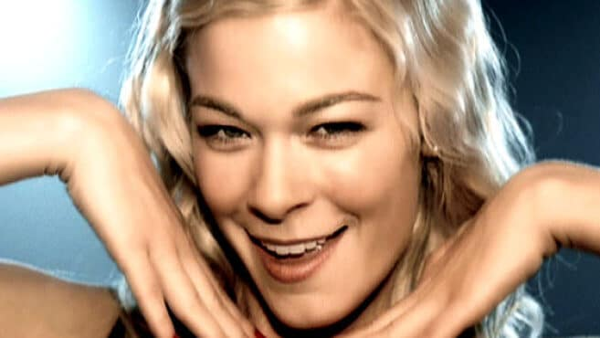 LeAnn Rimes is a big fan of having her face shaved with a scalpel