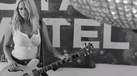 Miranda Lambert possibly teasing 'Vice' music video with Facebook clips