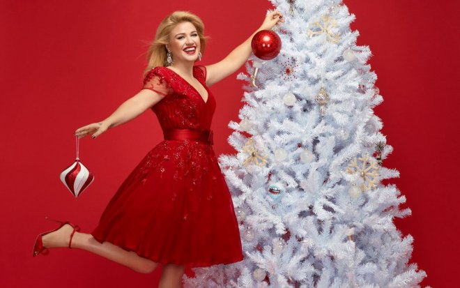 Read more about the article Gab's Countdown to Christmas: Kelly Clarkson