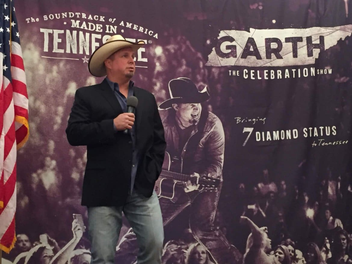 Garth Brooks To Celebrate 7 Diamond Albums With Free Nashville Show
