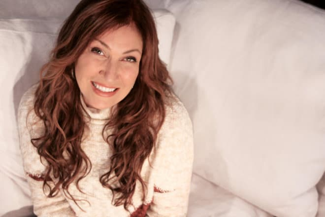 "Jo Dee Messina Releases Lyric Video for ""Bigger Than This"""