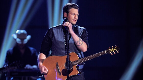 Blake Shelton Reaches Out to Injured Fan